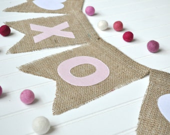 XOXO Burlap Banner, XOXO Sign, Valentines Sign, Valentines Burlap Banner, Valentines Decoration, Valentines Day Garland, Valentines Hanging