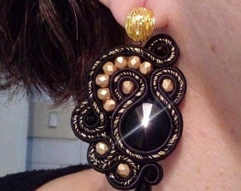 Black and gold stud earring