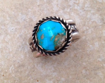 Arizona, Kingman Turquoise, Ring, Sterling Silver, Silver Ring, Handmade, Metalsmith, Fine silver, Wide band. Visit me at: neteojewelry.com