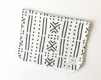 Mix & Match baby burp cloths- Mudcloth - Burp Rag - baby spit up - baby gift - baby shower - aztec baby - aztec nursery - monochromatic baby