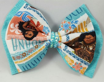 Blue reversible Moana/Maui bows