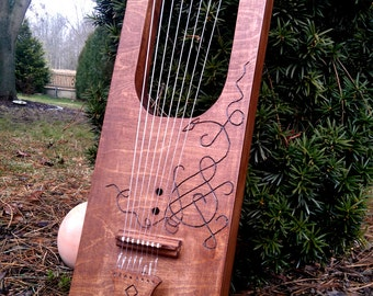 8-string Germanic Lyre