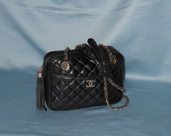 Authentic vintage Chanel bag ! genuine leather !
