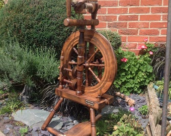 Beautiful vintage Haldane spinning wheel