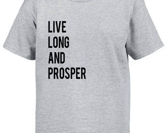 Star Trek Shirt / Live Long and Prosper / Trekkie Tshirt / Gift for Trekkie / Vulcan Salute / Trekkie Gift Idea / Star Trek Fan / Trekkie