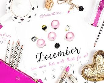 2018 DESK CALENDAR, Glam, Desk Calendar, Framed, Girly, Watercolor,Illustration, Chanel, Glamorous, Calendar, Pastel, Makeup, Fashion,Beauty