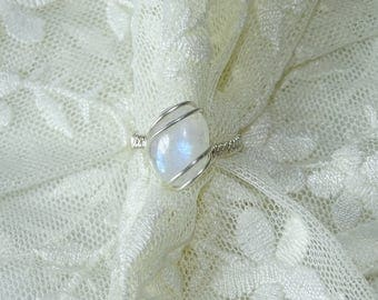 Silver ring with moonstone gemstone. Statement ring, summer ring, moonstone ring