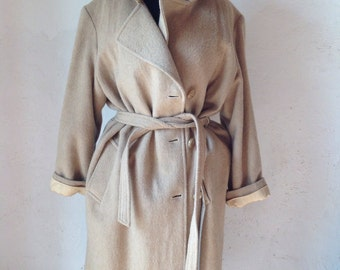 Camel coat. Vintage wool coat. Made in Italy. Tailored coat.