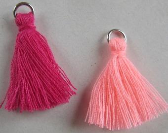 2 pretty pink textile PomPoms - 2.5 cm