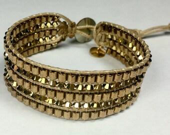 Bracelet manchette Swarovski et Miyuki or doré