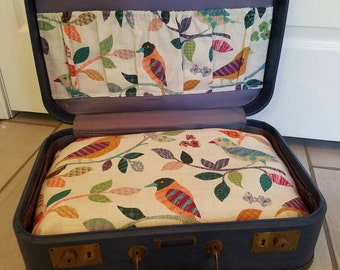 Vintage Suitcase Travel Pet Bed - Small (Dark Blue)