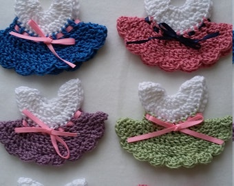 Crochet favors for girl baby shower, Christening,  anniversary souvenirs set of 8 mini dresses, decoration baby room