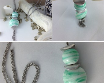 Necklace chain steel cups steel beads wound Green Opal and white hand lens and round glass