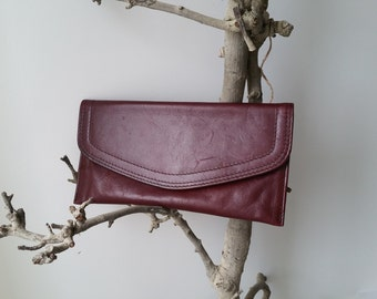 Beautiful burgundy clutch with embroidery