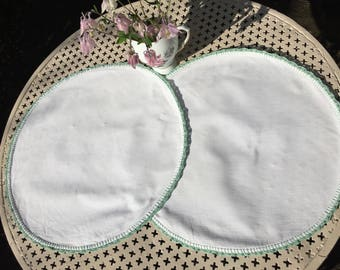 2 large white linen doilies embroidered green edged, dressing table mats, lamp mats, round