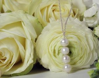 Quadruple pearl necklace