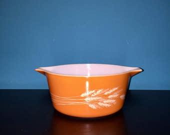 Vintage Pyrex Autumn Harvest Round Casserole Dish 1.5 Quart Orange