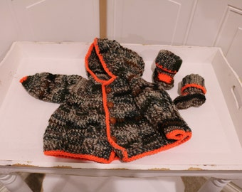"Green ""Camo"" Hooded Crochet Cardigan with Booties for 0 to 3 months old."