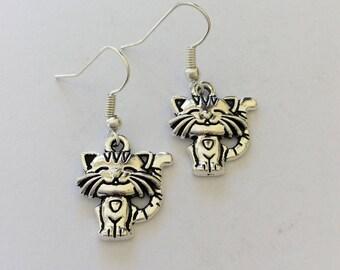 Cat earrings / cat jewellery / cat lover gift / animal earrings / animal jewellery / animal lover gift