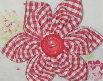 Flower hair clip, red and white with Red button center