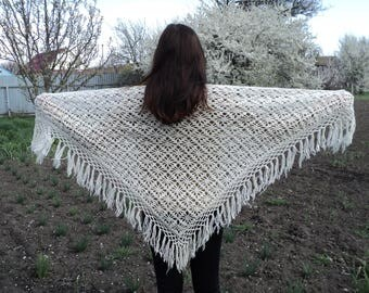 Knitted warm scarf, shawl, white (melted milk), made of wool 100%. Ukraine