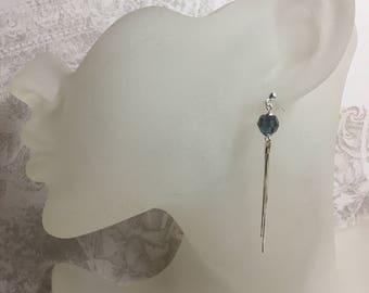 Earrings Silver 925/1000 and its Swarovski blue Montana.