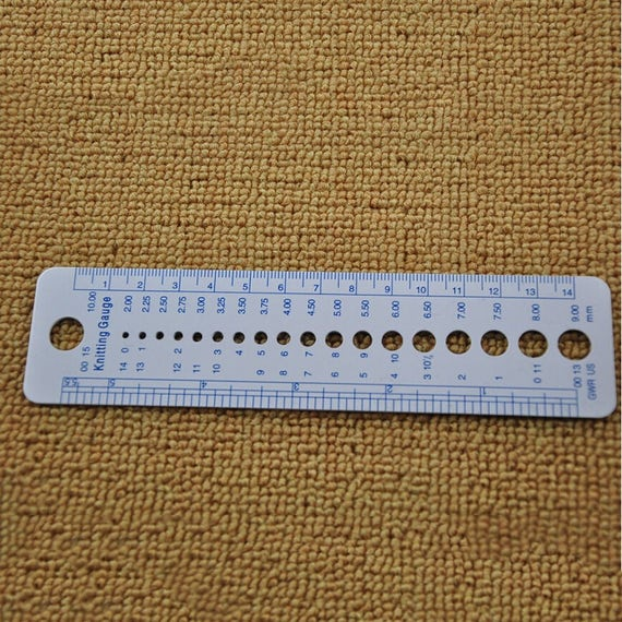 Knitting Gauge Tool : Knitting needle gauge sewing ruler tool inch cm us uk