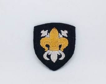 Fleur de lys / Hand made embroideres patch