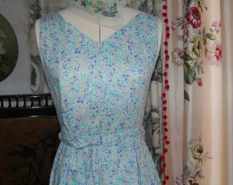 Beautiful Laura Ashley floral vintage dress 8-10