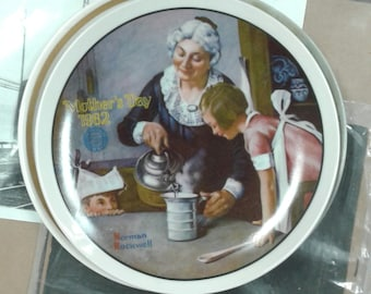 Vintage Normal Rockwell Mothers Day 1982 Plate