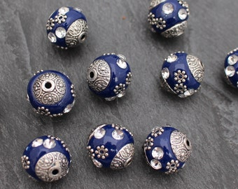 FIVE Sapphire Blue Antique Silver Beads. Exotic. 15mm Round