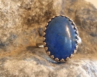 Sterling Silver ring w/ Lapis Lazuli