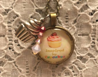 Cupcake Glass Pendant Charm Necklace/Cupcake Jewelry/Cupcake Necklace/Cupcake Pendant