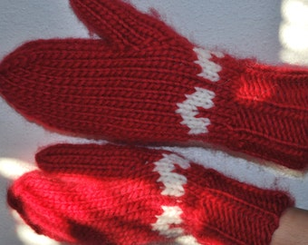 Red and white Mittens, St.Valentine's gift for her,  Wool mittens