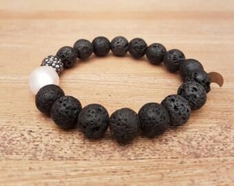Bracelet female, Elegant-09, beads of water sweet and onyx (or lava).