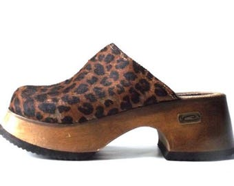 Vintage Candies Wooden Clogs animal print Sz 7