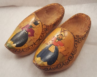 Hand painted farm couple wooden clog shoes made in Holland