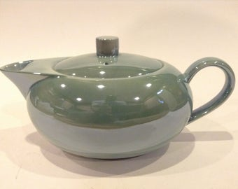 """Vintage Swid Powell """"Luster"""" Mint Green Teapot and Lid Made In Japan"""