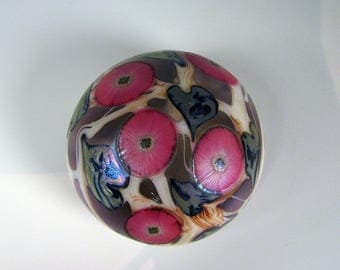 David Lotton Art Glass Paperweight Pink Flowers with Heart and Vine