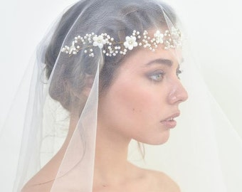 Babys breath flowers hair vine English wedding wreath Beach wedding hair accessories Bridesmaid flower crown with pearl Baby breath wedding