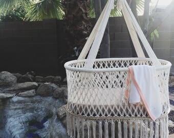 Hanging Bassinet / Baby Hammock / Hanging Cradle