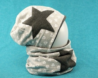 Set winter cap and loop with star