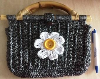 Small bag, crochet and bamboo handle