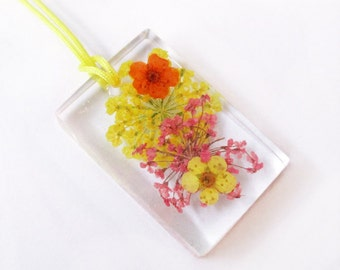 Rectangle Hanae resin flowered jewelry pendant necklace nature in colorful dried flowers
