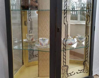 Shabby chic vintage Display cabinet *free delivery*