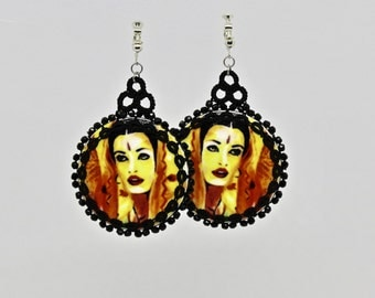 "Earrings with art motif ""BENGALI BRIDE"" from the kind of jewellery collection by Christine Haberstock"