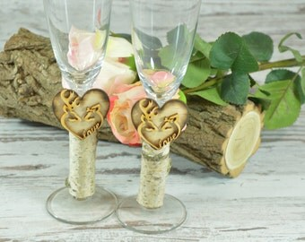 Wedding champagne flutes, country wedding glasses, his doe her buck flutes,hunting glasses,deer champagne glasses,camo wedding,toast glasses
