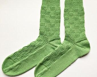 knitted socks, Gr. 38 / 39, green socks, knitted socks, pattern socks for women