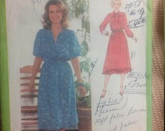 1979 Vintage Dress Pattern: Simplicity 9062