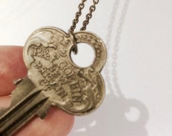 """Vintage Key Pendant Necklace 18"""" Connecticut"""